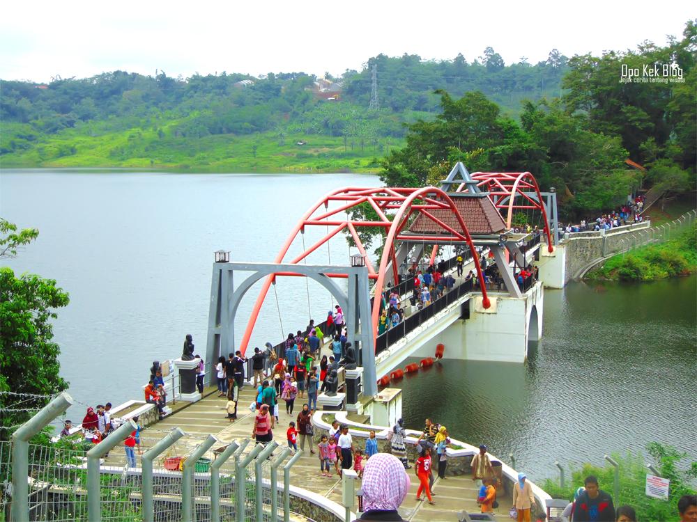 Goa Kreo Dan Bendungan Jatibarang Semarang. Dua Tempat Wisata Yang Tak Terpisahkan.