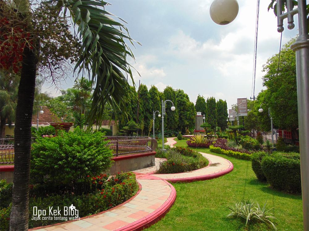 Sejuk Kudus Ku Dengan Taman Kota