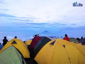 Camping-Ground-Puncak-Andong