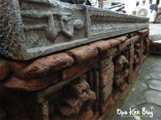 Patung Dewa Syiwa di batu panjang dan Ukiran Hasta Brata pada dinding